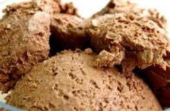 3 INGREDIENT HOMEMADE CHOCOLATE ICE CREAM RECIPE
